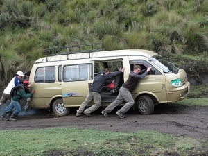 pushing-the-broken-down-van-mindo